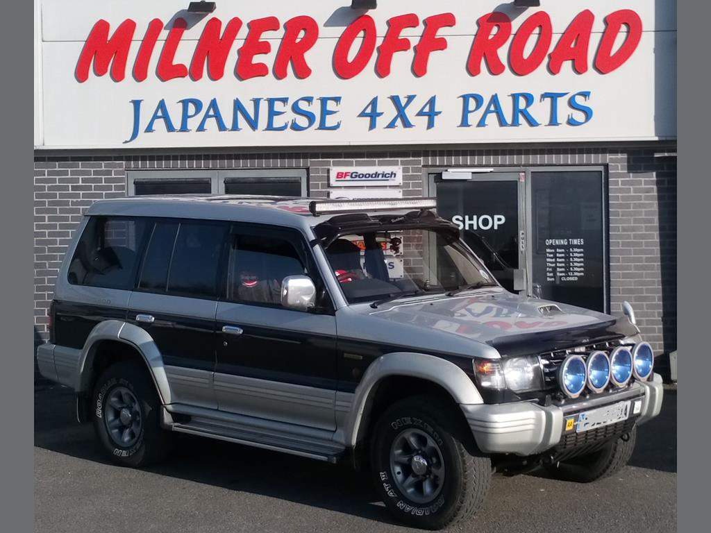 Mitsubishi Shogun//Pajero V68//V78 3.2DiD Front Lower /& Upper Ball Joint Set 1999+